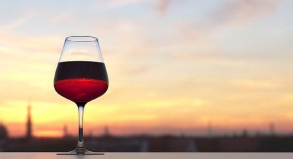 The Light & Dark Side of Alcohol