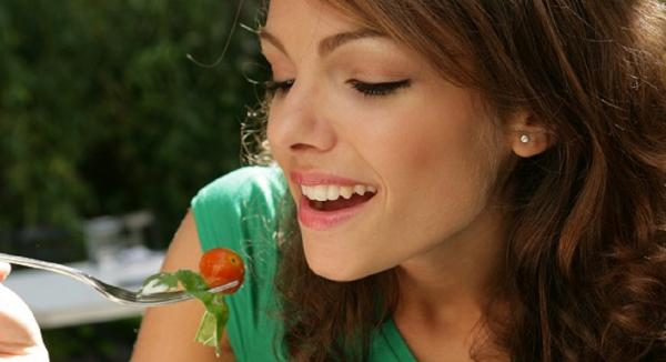 Top 10 Natural Nutrients for Youthful, Healthy Skin