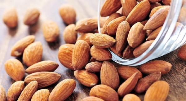Eat More Almonds to Improve your Gut Health