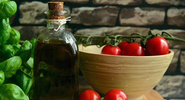 Mediterranean Diet Associated with 47% Reduced Risk of Heart Disease